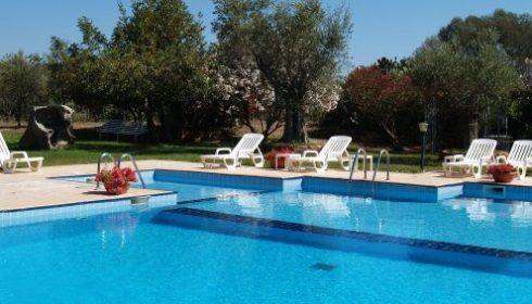 pool at hotel Baja Azzurra, single parent beach holiday in Sardinia, summer holiday in Sardinia, off the beaten track beach holiday