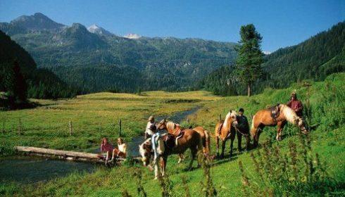 Horse riding Lantschfeld