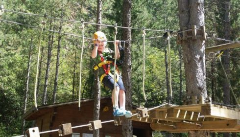 high rope garden in activo park in Umbria, single parent activity holiday, single with kids activity holiday in Italy