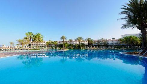 single parent holiday - Founty Beach pools