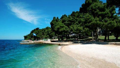 solo holidays hotel Parentium beach
