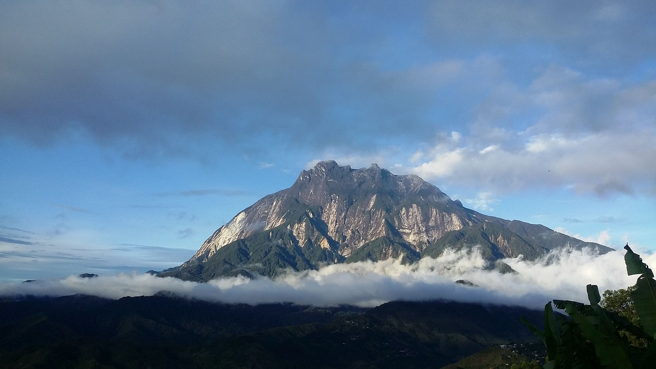 Picture of Mount Kinabalu