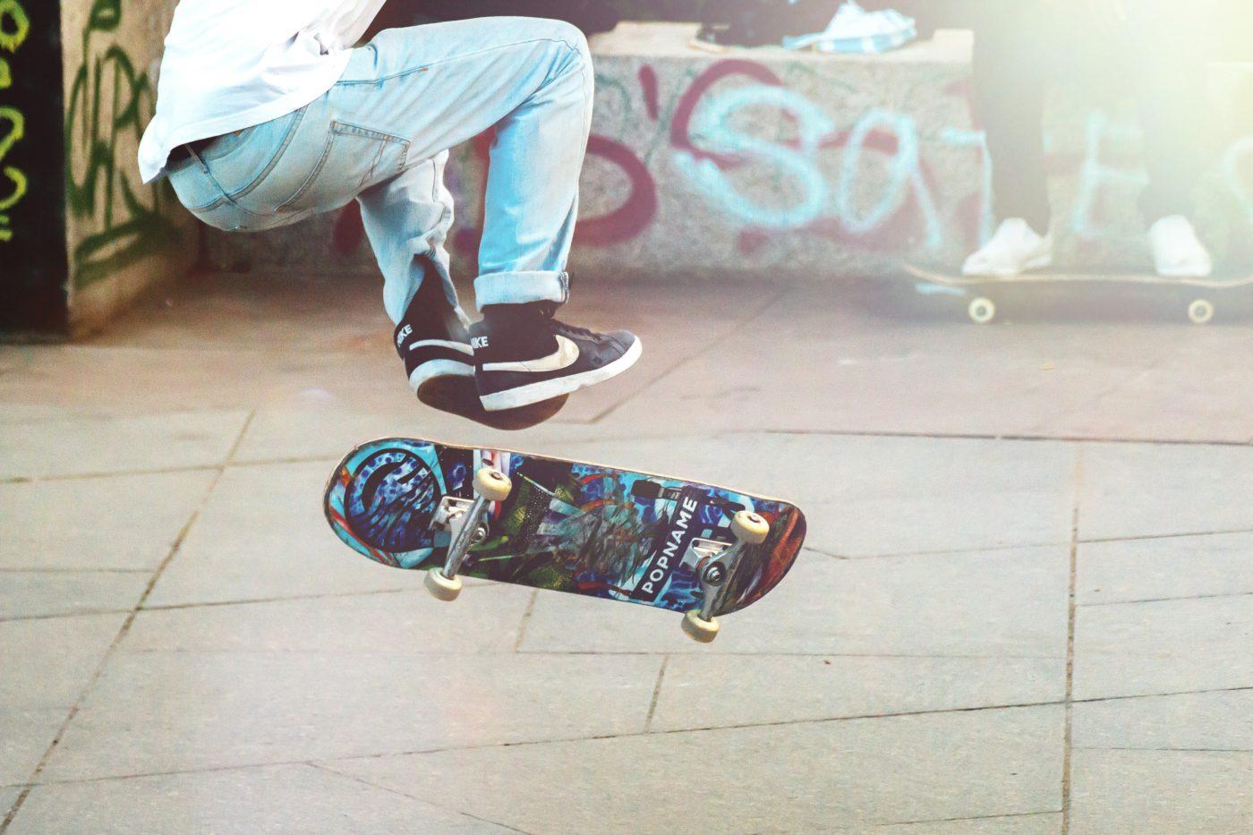 city break: explore by skateboard