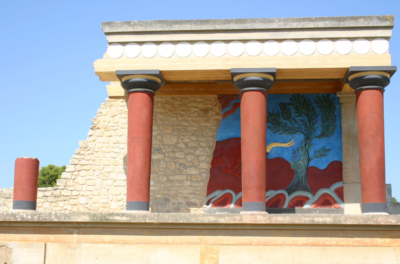 Knossos in Crete - Crete facts