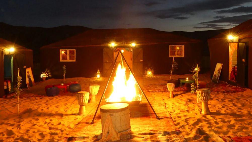 Marrakech desert tours - around the campfire