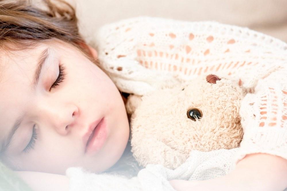 travel sick child on long haul flight