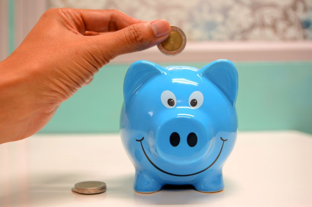 piggy bank to save money even when on single parent benefits
