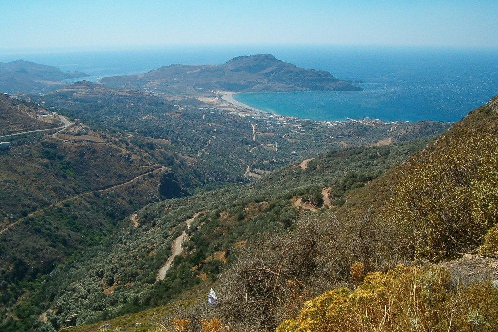 Crete facts - sea and mountains