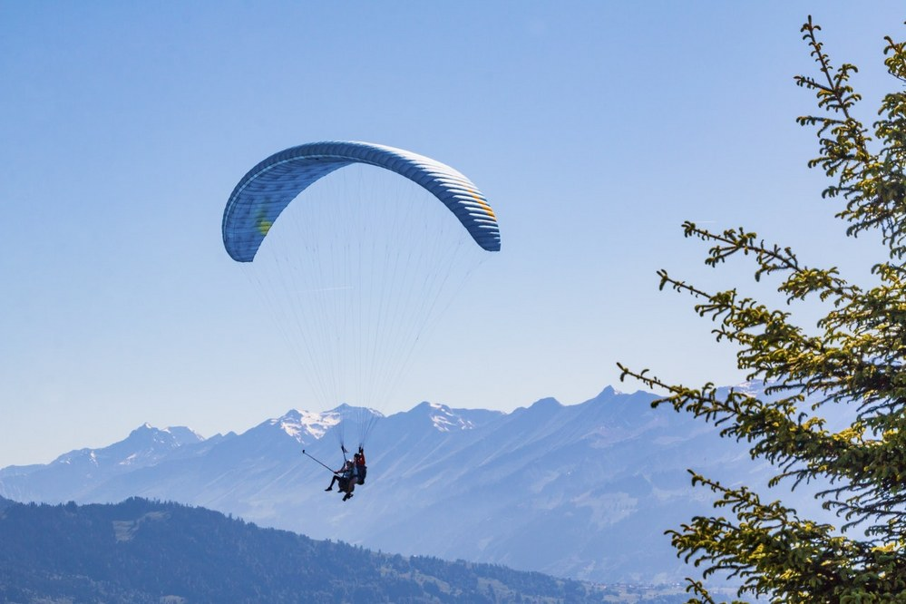 fun things to do with kids - paragliding