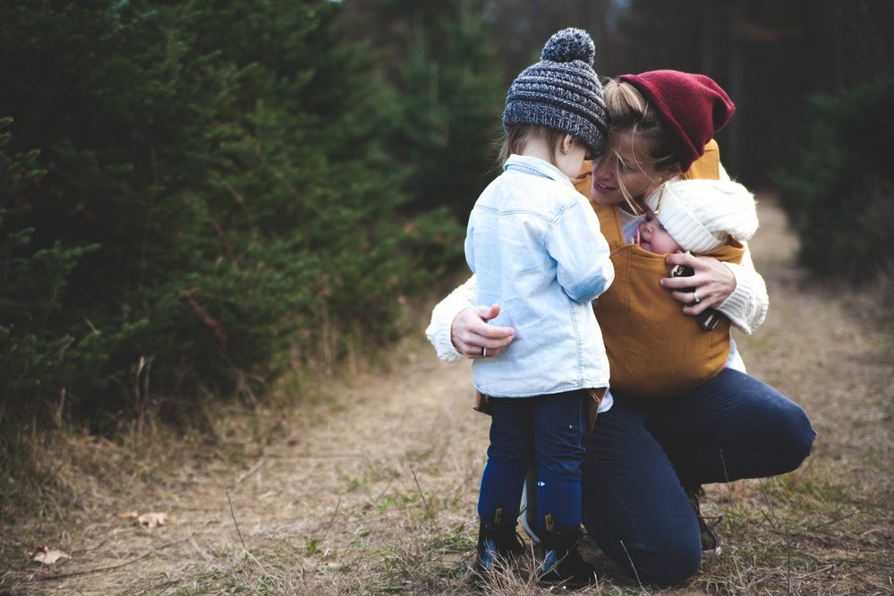 solo parenting - mum with kids
