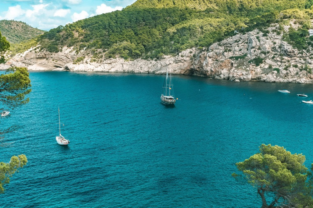 things to do with kids in Ibiza - boat trip along the coast