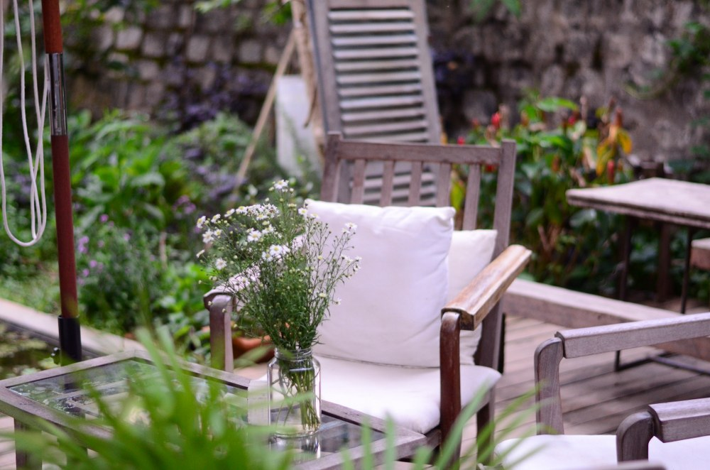 autumn garden: seating area