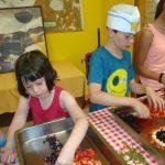 children cooking at Gelindo dei Magredi