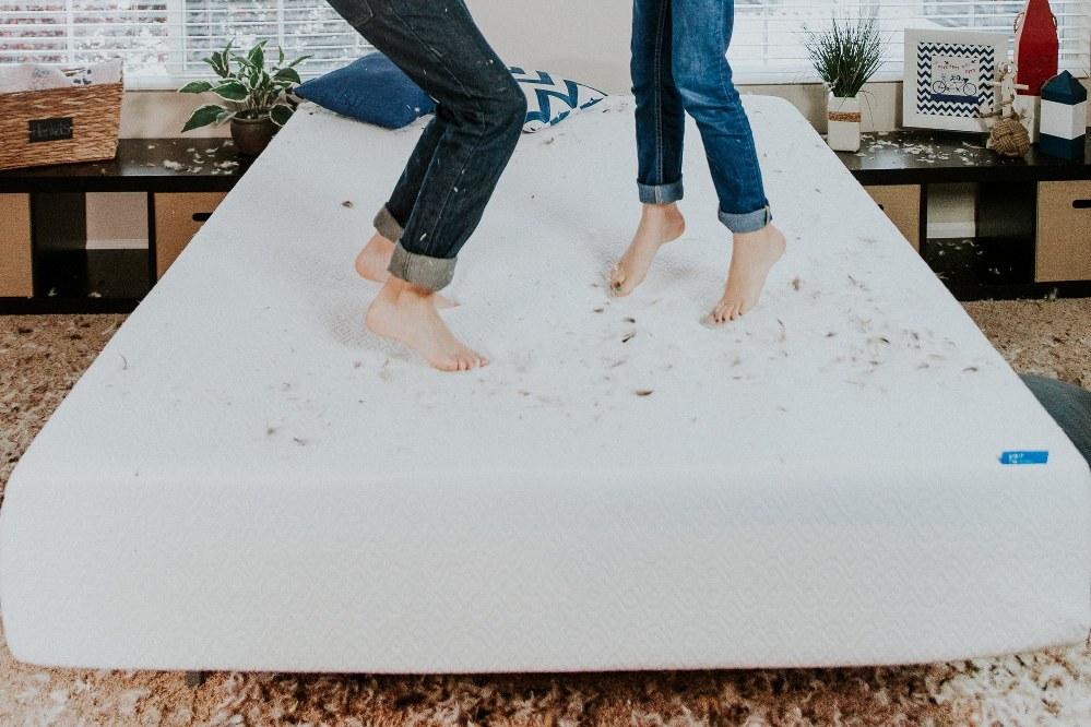Good mattress for kids - children jumping on mattress