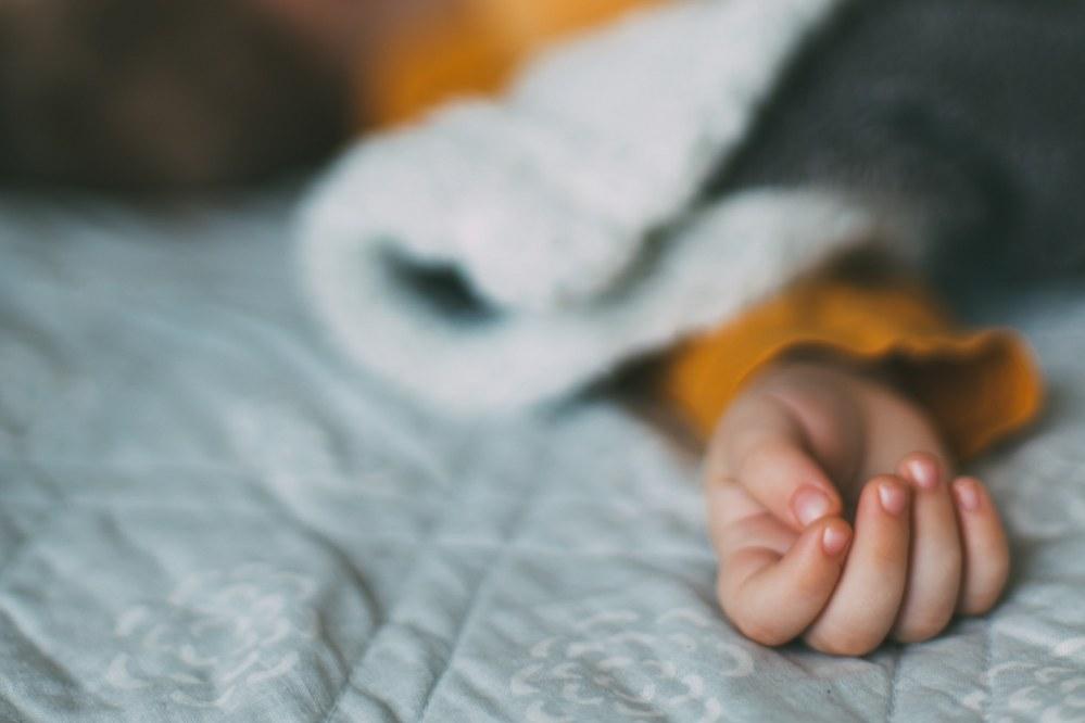 Good mattress for kids - child sleeping on mattress