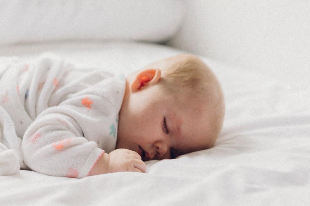 Good mattress for kids - sleeping baby