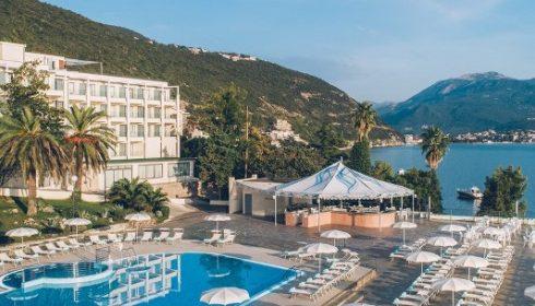 hotel pool at Herceg Novi