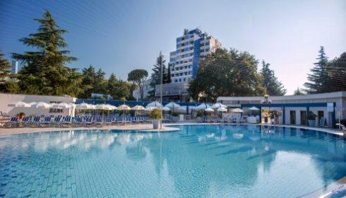 Valemar Diamant hotel pool