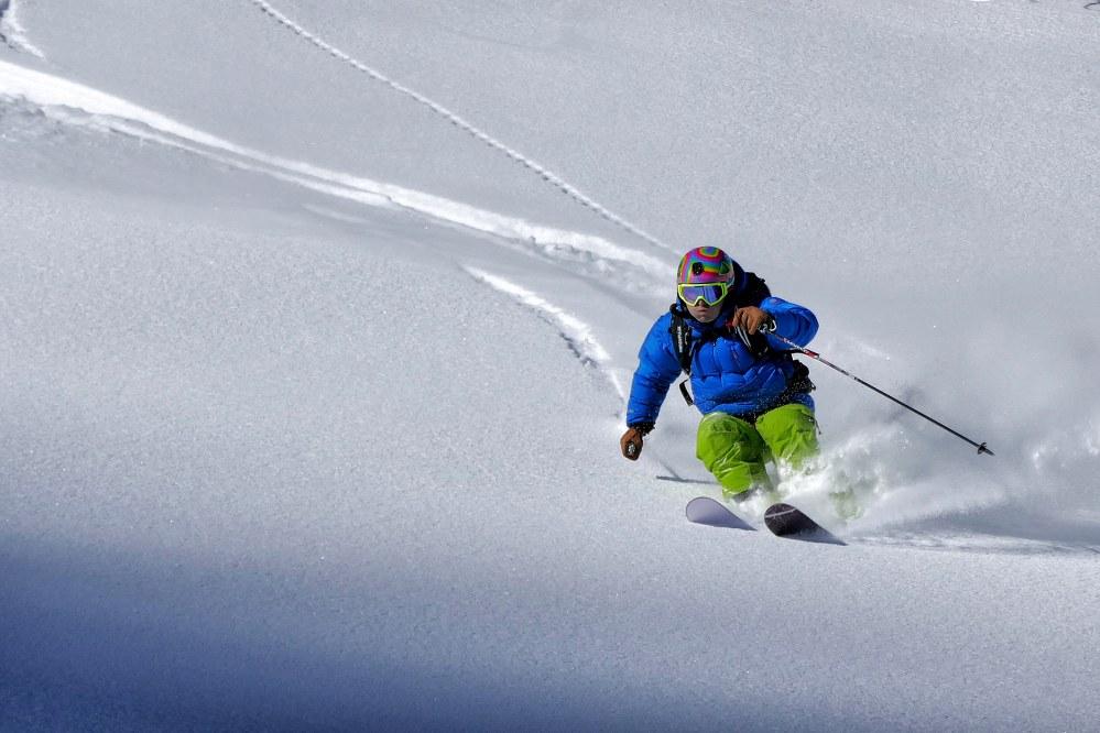 advanced skier powder snow - best ski resort 2020