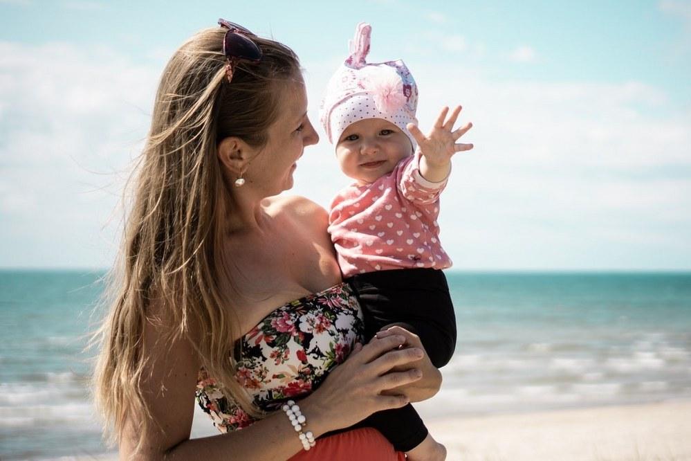 single parent holidays - mum and baby