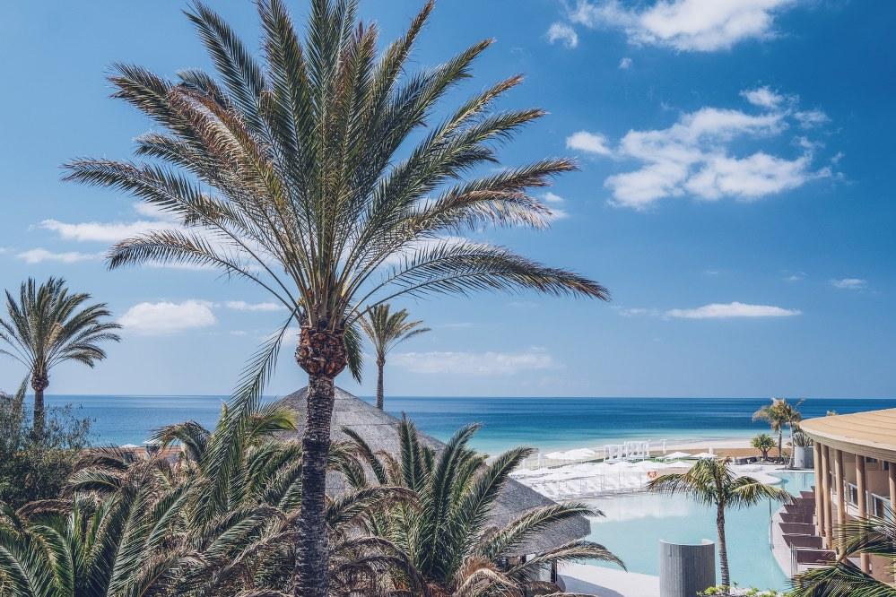 holidays for single parents - Playa Gaviotas hotel ion Fuerteventura