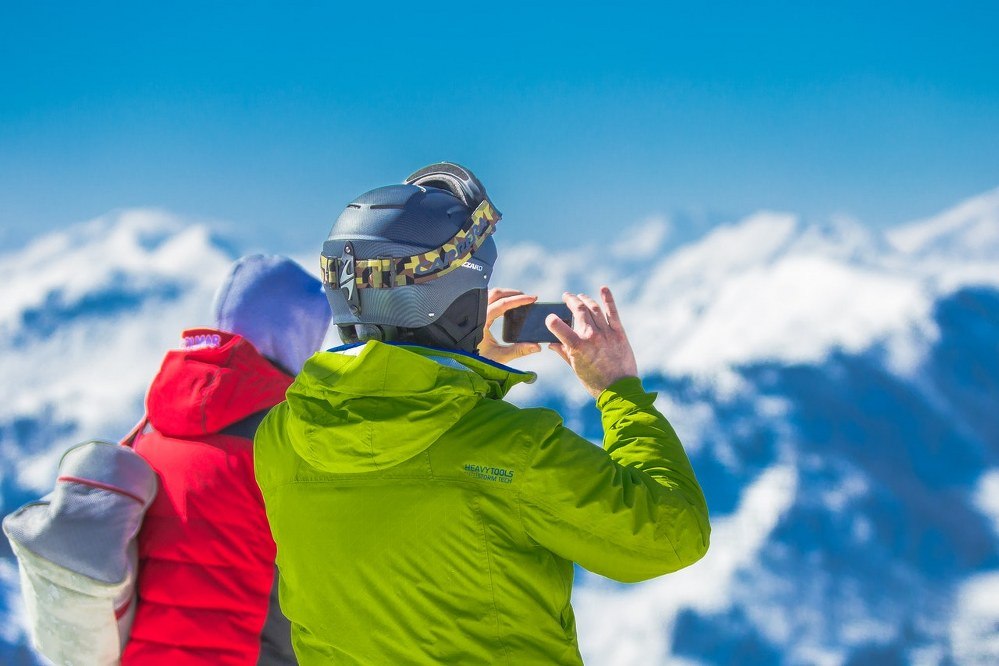 skiers in their 50s on singles holiday