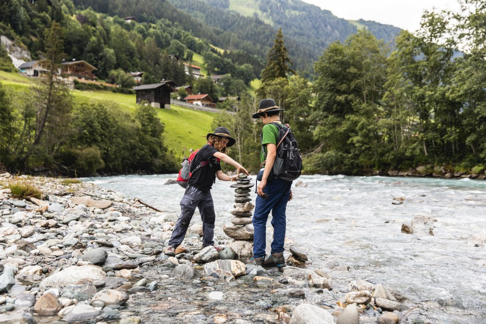 hiking with the kids in Tyrol Ziller Valley