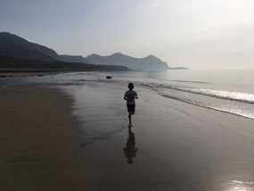 Single Parents on Holiday - Llyn Peninsula about Image 2