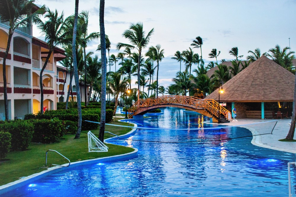 pool landscape - Caribbean holiday with kids