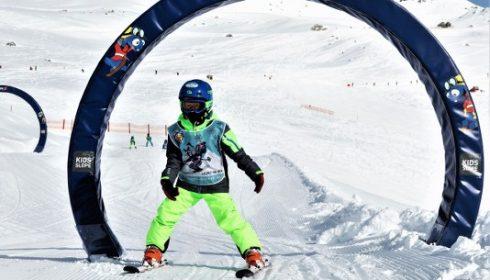 child skiing at Hintertux Glacier