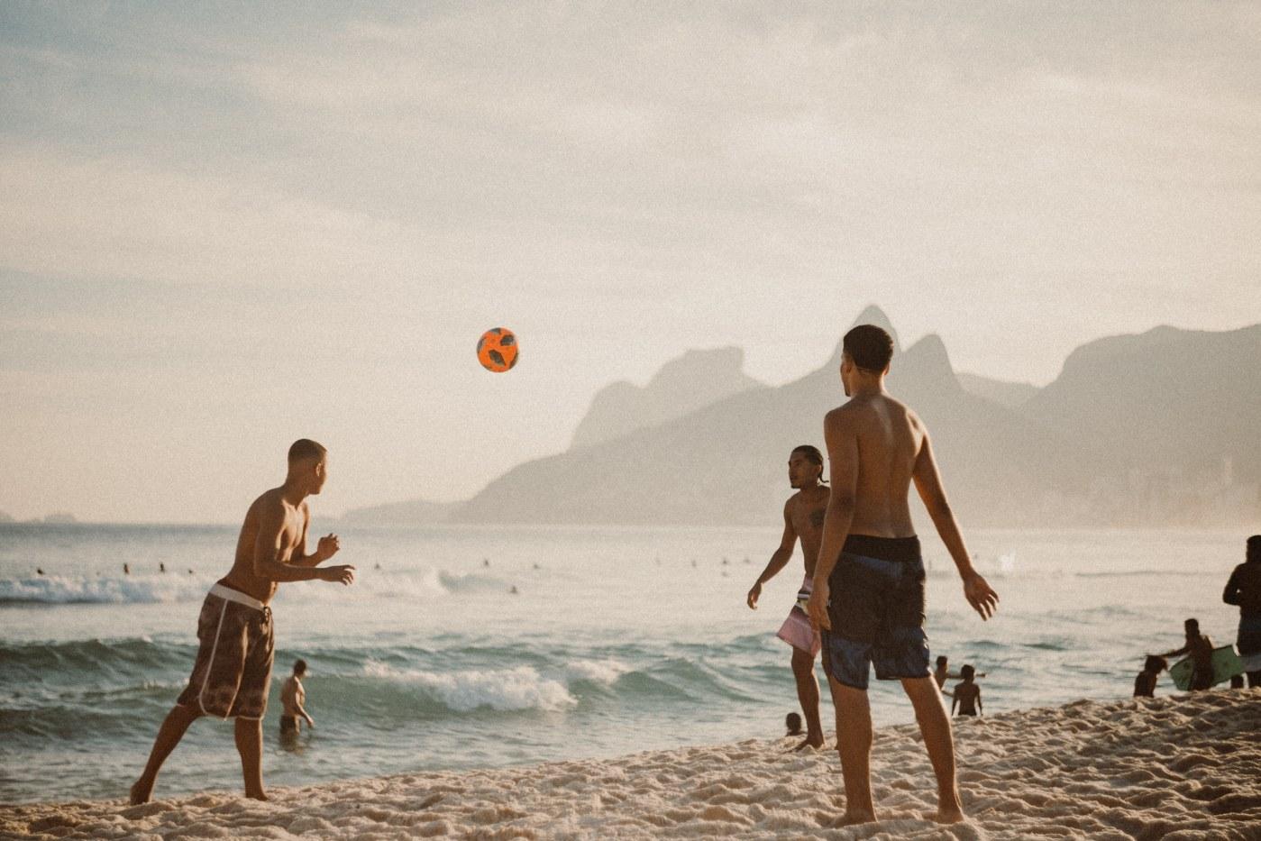 single parent holidays with teens o the beach