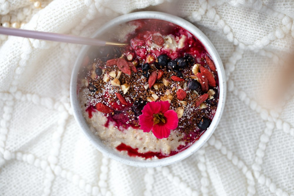 healthy oat porridge